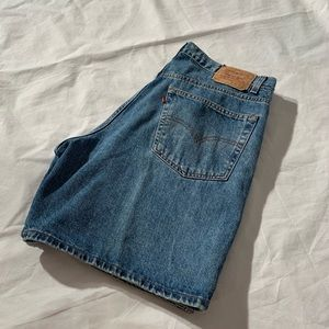 """Levis Style 550 Shorts Size 16 Inseam 8"""""""
